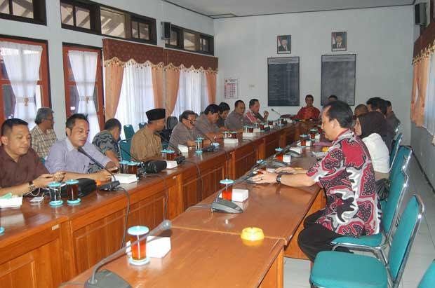 Belajar Pengawasan Kegiatan Fisik DPRD Purworejo Datangi DPRD Pemalang